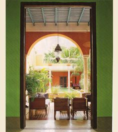 I wanted to feature some amazing Mexican design, and architecture which showcases some amazing styles and color! Mexican Style Decor, Mexican Design, Hacienda Homes, Hacienda Style, Green Accent Walls, Spanish Colonial Homes, Mediterranean Style Homes, Patio Wall, Southwest Decor