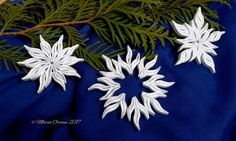 Christmas decorations  using  one single shape - leaf (slug or shaped marquise) by Maria Oroian