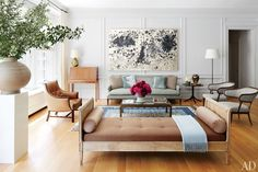 Gorgeous living room from Project Runway Judge Nina Garcia's Manhattan Home : Architectural Digest Interior Desing, Home Interior, Living Room Interior, Home Living Room, Living Room Designs, Living Spaces, Usa Living, Bathroom Interior, Interior Ideas
