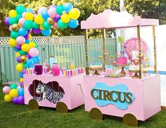 New Carnival Birthday Party Desserts 16 Ideas Dumbo Birthday Party, Circus First Birthday, Circus 1st Birthdays, Carousel Birthday Parties, Birthday Party Desserts, Circus Theme Party, Girls Birthday Party Themes, First Birthday Parties, Birthday Party Decorations