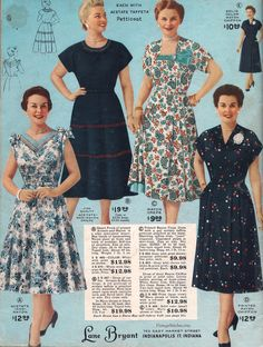 Fashion from Spring and Summer 1955 Lane Bryant Catalog. Plus Size Dresses in pretty Spring & Summer Patterns & Style Source by bahbah_bobbie fashion Prom Gowns Vintage, Vintage Outfits, Vintage 1950s Dresses, Vintage Wardrobe, Vintage Clothing, Floral Fashion, I Love Fashion, Fashion Photo, Spring Fashion