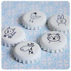 Magnet Paint your capsules and draw on them . - DIY Magnet Paint your capsules and draw on them …, -DIY Magnet Paint your capsules and draw on them . - DIY Magnet Paint your capsules and draw on them …, - This little Make a M. Bottle Cap Magnets, Bottle Cap Art, Bottle Cap Crafts, Bottle Top, Diy Bottle, Beer Bottle, Diy For Kids, Crafts For Kids, Arts And Crafts