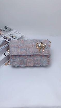 Diy Crochet Bag, Crochet Bag Tutorials, Diy Handbag, Diy Purse, Diy Crafts Hacks, Diy Crafts For Gifts, Diy Fashion Hacks, Diy Sac, Diy Bags Purses