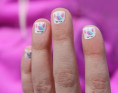 Prized by women to hide a mania or to add a touch of femininity, false nails can be dangerous if you use them incorrectly. Types of false nails Three types are mainly used. Unicorn Nails Designs, Unicorn Nail Art, Unicorn Kids, Nail Design Glitter, Nail Design Spring, Little Girl Nails, Girls Nails, Girls Nail Designs, Cute Nail Designs