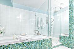 Top 7 Reasons to Prefer Shower Doors over Shower Curtains Bathroom Interior, Modern Bathroom, Master Bathroom, Bathroom Ideas, Bathroom Renovations, Bathtub Ideas, Bathroom Vanities, Douche Design, Best Bathtubs