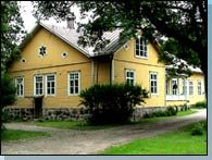 Ilolan kartano - Illbygård - Ilola manor is located in Porvoo. Mostly agriculture (growing wheat etc), but they have also own museum. Possibility for strawberry picking.