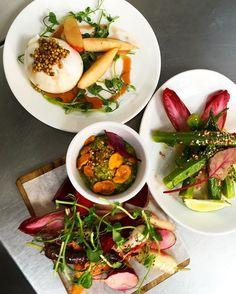 Sharing food vibes... Burrata with white peach. Okra with sweet chilli-buckwheat and Crudités with avo dip. #nopirestaurant #ottolenghifamily #samitamimi @sami_tamimi