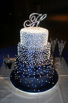 Avant-Garde Formal Hip Hollywood Glam Modern Romantic Blue Silver White Fondant Round Topper Wedding Cake Wedding Cakes Photos & Pictures - WeddingWire.com