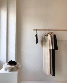 15 Ideas for furniture store interior design spaces Clothing Store Interior, Boutique Interior, Small Bedroom Furniture, Trendy Furniture, Pretty Things, Casa Cook, Retail Store Design, Muse, Retail Interior