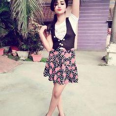 Cute Girl Photo, Beautiful Girl Photo, Beautiful Girl Indian, Stylish Girls Photos, Stylish Girl Pic, Girl Photos, Preety Girls, Cute Girls, Tunisha Sharma