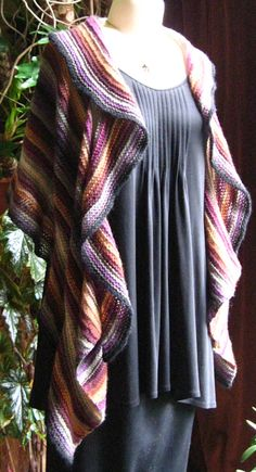 Love the way this drop stitch shawl hangs! Really a beautiful, gentle ruffle that could be worn with anything!! Great FREE pattern from Carol Sunday!