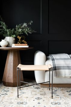 A Modern-Day Parlor: Get The Look Small Lounge, Lounge Areas, Decorating Small Spaces, Decorating Your Home, Living Room Designs, Living Spaces, Living Area, Modern Farmhouse Interiors, Farmhouse Style