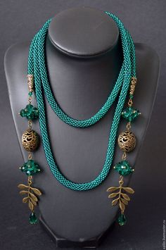 """Beaded bracelets are great fun to make and to wear. As far as beaded jewelry goes, bracelets are great because they are an """"easy"""" accessory—just slap one Rope Jewelry, Big Jewelry, Jewelry Tags, Bead Jewellery, Lariat Necklace, Jewelry Crafts, Beaded Jewelry, Handmade Jewelry, Jewelry Design"""