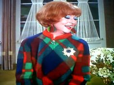 Agnes Moorehead as 'Endora' in Bewitched ABC). A classic time, classic woman. Agnes Moorehead, Endora Bewitched, Bewitched Tv Show, Classic Hollywood, Old Hollywood, Bewitched Elizabeth Montgomery, Erin Murphy, Old Tv, Classic Tv