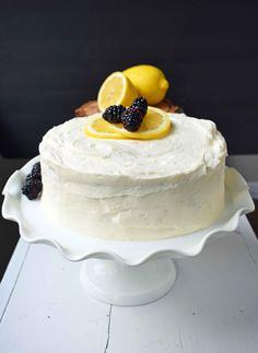 Italian Lemon Olive Oil Cake with Lemon Vanilla Cream Cheese Frosting is the best lemon cake recipe. Moist and tender lemon cake every single time. Lemon Birthday Cakes, Lemon Wedding Cakes, Cake Wedding, Lemon Desserts, Köstliche Desserts, Dessert Recipes, Health Desserts, Dessert Cannoli, Food Cakes