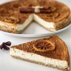FITNESS cheesecake z ovsených vločiek bez cukru a múky! Healthy Deserts, Healthy Cake, Healthy Cheesecake, Cheesecake Recipes, Fitness Cake, Low Carb Recipes, Cooking Recipes, Fat Burning Foods, Healthy Cooking