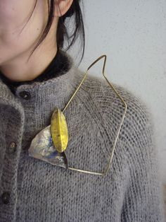 Hiroshi NOMOTO- jewelry / earth / leaf / metal / abstract / negative space
