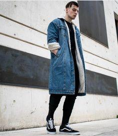 3,627 vind-ik-leuks, 17 reacties - BEST OF STREETWEAR (@bestofstreetwear) op Instagram: 'Follow @hypedhaven | Drop your comments below👇🏼 #BestOfStreetwear Outfit by @misho_amoli ✅ Coat -…'