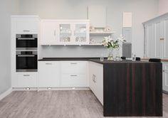 Harvey Jones Linear kitchen
