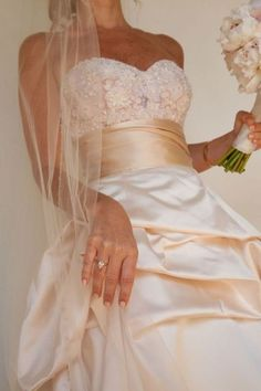 This monique lhillier is the dress of my dreams... I would die if this were my wedding day gown