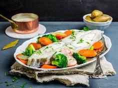 Posjert kveite med smørdampede grønnsaker og sandefjordsmør