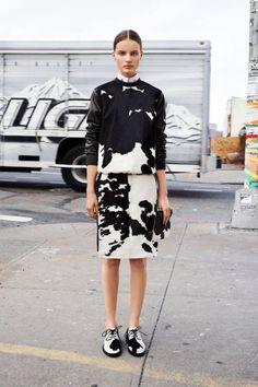 Givenchy Pre-Fall 2013 Fashion Show - Tilda Lindstam Fashion Week, Love Fashion, High Fashion, Fashion Show, Fashion Design, Style Fashion, Review Fashion, Runway Fashion, Fashion Beauty