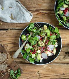 Probiere Gerösteter Blumenkohlsalat jetzt bei FOOBY. Oder entdecke weitere feine Rezepte aus unserer Kategorie Avocado-Rezepte. Guacamole, Broccoli, Cobb Salad, Food And Drink, Gluten Free Recipes, Easy Meals, Food And Drinks, Food Food, Cooking