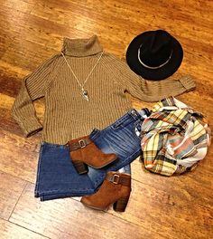A beautiful outfit for a beautiful season! This fun weekend outfit is full of fall accessories • Top $68 // Item 812BM2 • Denim $45 // Item 812BM3