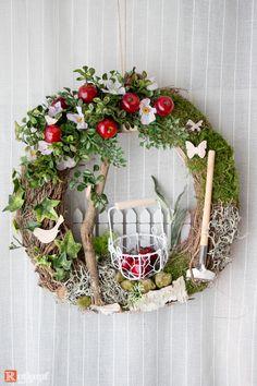 """Door wreaths - door wreath summer """"apple tree"""" - a designer piece by Rotkopf-desi . - Door wreaths – door wreath summer """"apple tree"""" – a unique product by Rotkopf-design on DaWanda - Summer Door Wreaths, Easter Wreaths, Christmas Wreaths, Spring Wreaths, Yarn Wreaths, Floral Wreaths, Burlap Wreaths, Mesh Wreaths, Felt Wreath"""