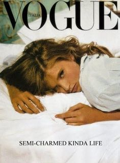 Find tips and tricks, amazing ideas for Vogue. Discover and try out new things about Vogue site Vogue Vintage, E Biker, Magazine Mode, Photocollage, Vogue Covers, Vogue Magazine Covers, Foto Pose, Aesthetic Vintage, 90s Aesthetic