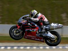 Nicky Hayden aboard the Honda Best Motorbike, Motorcycle Art, Grand Prix, Best Road Bike, Nicky Hayden, Cafe Bike, Motosport, Racing Motorcycles, Hot Bikes
