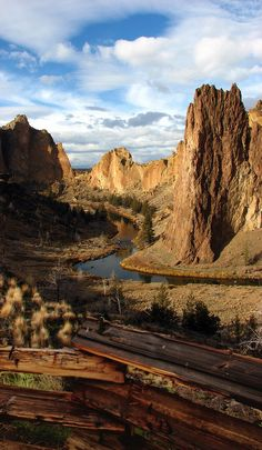 The Crooked River in Smith Rock State Park, Deschutes County, Oregon