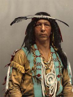 Amérique. Guerrier Ojibwa. Photochrome originale d'époque. Circa 1903. 18 x 24 cm.