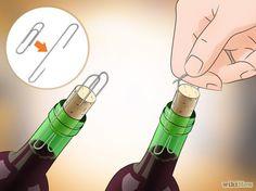 5 spôsobov, ako otvoriť fľašu vína bez vývrtky - Vedelisteze.sk