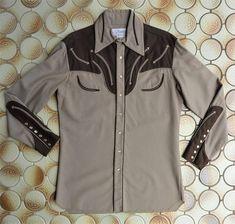 Collectable Nudie's Rodeo Tailors vintage men's western shirt. 2 Tone Tan & Chocolate brown wool gab. Arrows, knife blade cuffs. Nudie. M-L.