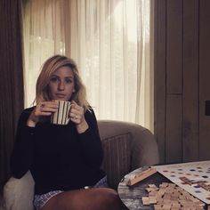 Ellie and a cup of tea. Ellie Goulding, Cute Celebrities, Celebs, Rose Gold Texture, Her Music, Just Amazing, Woman Crush, Record Producer, Actors & Actresses