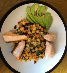 Potřebujete si udělat k jídlu něco rychlého, jednoduchého a hlavně, aby to bylo zdravé a dobře to chutnalo? Vyzkoušejte těchto 7 receptů na salát. Cranberries, Pecans, Quinoa, Sweet Potato, Spinach, Salads, Delicate, Potatoes, My Favorite Things