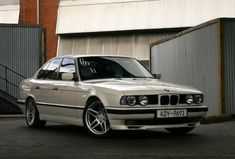 Learn more about BaT Exclusive: Spotless 1992 BMW Turbo on Bring a Trailer, the home of the best vintage and classic cars online. Bmw Classic Cars, Classic Cars Online, Bmw M5 E60, E30, Bmw Design, Bmw 5 Series, Bmw Cars, Cars Motorcycles, Cool Cars