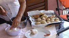 Τα νηστίσιμα μεθυσμένα είναι από αυτά τα γλυκά που θα μοσχοβολήσει το σπίτι όλο. Η συνταγή είναι από το κανάλι Andreas Mamoukaris Yλικά 1 νεροπότηρο μπύρα 2 νεροπότηρα σπορέλαιο 1 φακελάκι μπέικιν 800 γραμμάρια αλεύρι 200 γραμμάρια ινδοκάρυδο 100 γραμμάρια καρύδια 1 μαρμελάδα του Dairy, Cheese, Cookies, Meat, Chicken, Food, Gastronomia, Crack Crackers, Biscuits