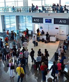America's worst airports for flight delays. #tips (Photo: Ian Shaw / Alamy)