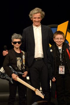 Peter was lovely with his mini-me's. Must have made their day being on-stage with him. :-)