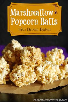 Marshmallow Popcorn Balls with Brown Butter These Marshmallow Popcorn Balls combines the classic flavours of a crispy rice treat with a classic popcorn ball. Rice Crispy Treats, Yummy Treats, Delicious Desserts, Sweet Treats, Dessert Recipes, Snack Recipes, Cooking Recipes, Yummy Food, Dessert Ideas