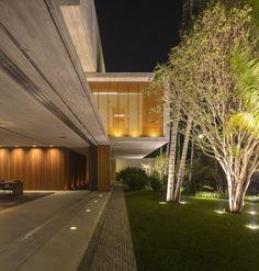 The P House; São Paulo, Brazil - Studio MK27 & Marcio Kogan + Lair Reis