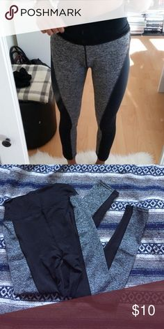 Work out leggings Work out leggings . Never been worn , brand new . They don't fit , the ones molded are an idea of what the look like one , just reverse the colors . Super soft material and makes the booty look amazingggg Pants Leggings