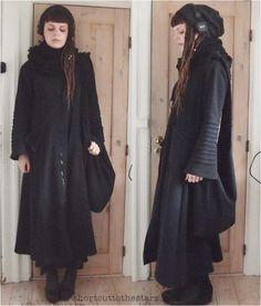 Shortcut to the stars Dark Fashion, 90s Fashion, Fashion Beauty, Witch Fashion, Dark Mori, Black Goth, Goth Beauty, Girl Inspiration, Monochrom