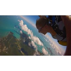 Sky Diving over Airlie Beach was the most incredible thing I've ever done! #skydive #airliebeach #adventure #greatbarrierreef by emmajaymurray__ http://ift.tt/1UokkV2