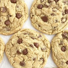 Giant Oatmeal Chocolate Chip Cookies Recipes The best oatmeal chocolate chip cookies! Soft, chewy, thick, and giant sized. Hamburger Vegetable Soup, Best Oatmeal, Oatmeal Chocolate Chip Cookies, Oatmeal Recipes, Cream Pie, Cookie Recipes, Dessert Recipes, Baking Recipes, Dinner Recipes