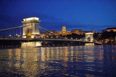 Szechenyi Chain Bridge - Budapest, Hungary -  PUENTE DE LAS CADENAS (BUDAPEST, HUNGRÍA