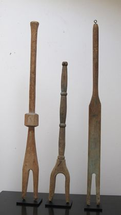 Washsticks Collection - Before washer machines women used these hand carved laundry sticks to stir and lift out the clothes from tubs of scalding water, sometimes with caustic lye added. Vintage Farmhouse, Vintage Kitchen, Old Washing Machine, Washing Machines, My Home Design, House Design, Primitive Laundry Rooms, Lava, Washer Machine