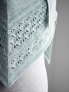 The pattern is 15% off with the code Freia Frost until October 16th, end of day, CET.
